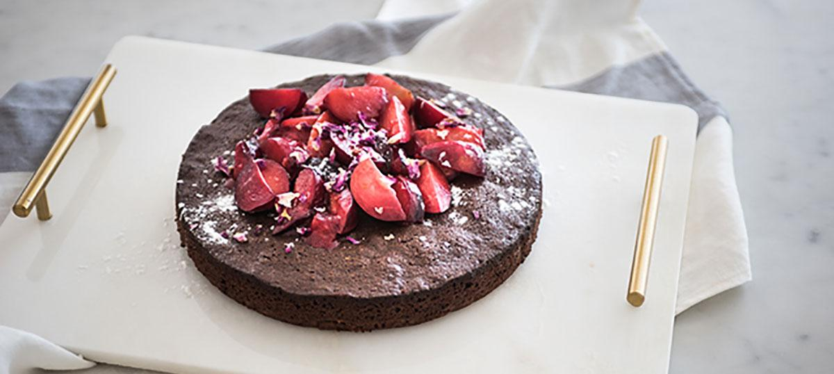 Decadent (and Gluten Free) Dark Chocolate Cake by @georgeeats